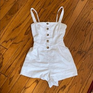 Hollister Eyelet Laced Romper, Tortoise Buttons.